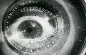 29/07 | «L'home de la Càmera» —projecció i música en directe